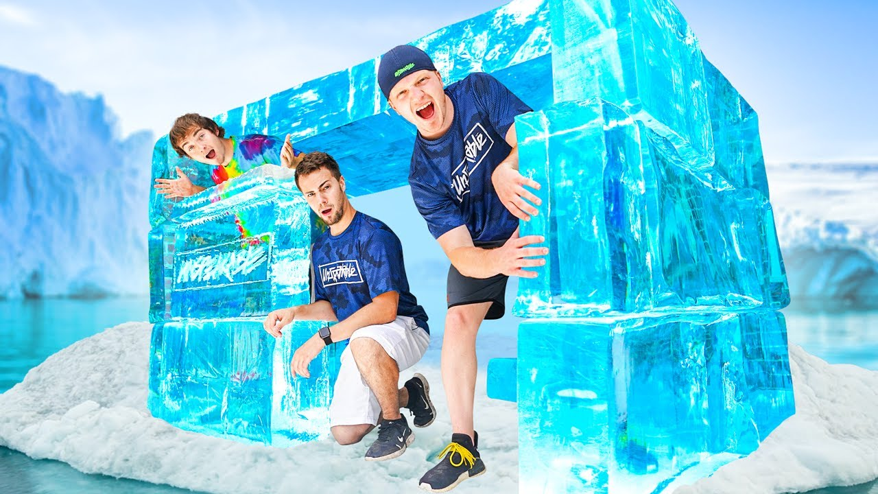 Download Building An IGLOO FORT Out Of ICE! *CHALLENGE*