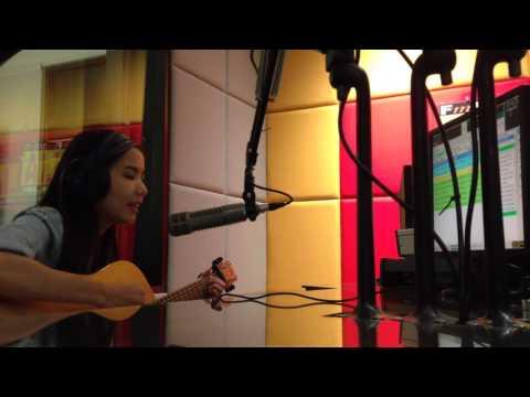 Nadya Fatira - Penyendiri (live On Dahlia FM)