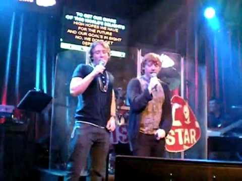 Rupert Grint sings karaoke with stunt double