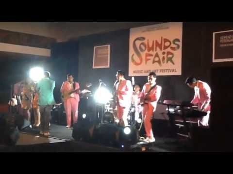 Teza Sumendra & Friends - Crazy In Love & Work It Out (Beyonce Cover) @ SoundsFair 2014