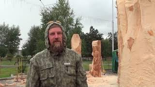 Илья Давыдов мастерит из дерева спящего ребенка