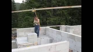Мини кран для строительства стен из газобетона