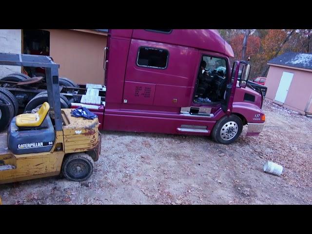 Дальнобой США. ENG. SUB.  Завершение ремонта прицепа. Обновки. Lowboy trailer restoration.