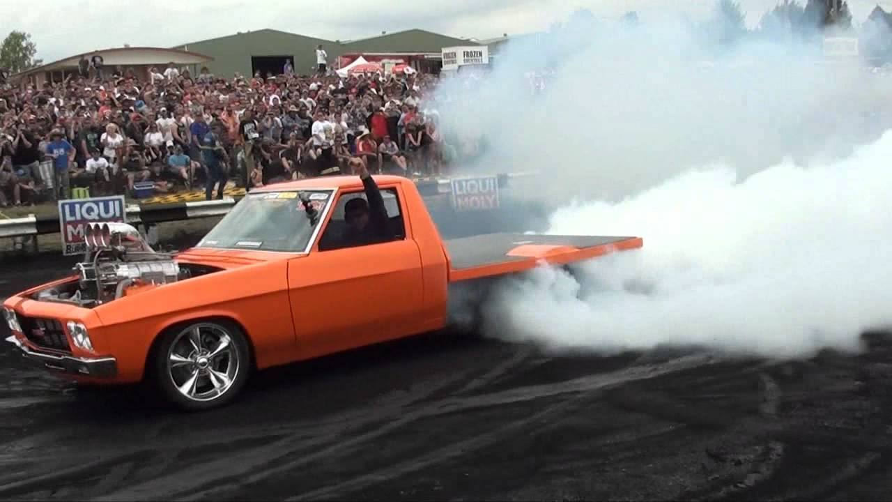 T4TUFF - Summernats 25 Burnout Masters Second Place - YouTube