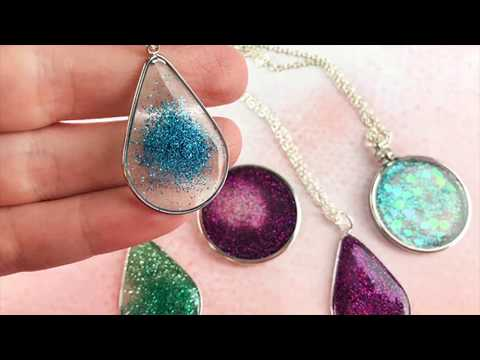 How to make a floating glitter pendant