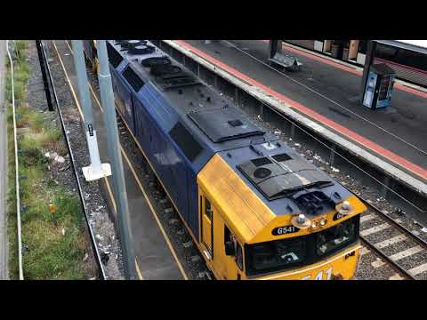 G541-XR559 PN Bulk Steel Train from Melbourne Yard to Long Island 26-10-2017