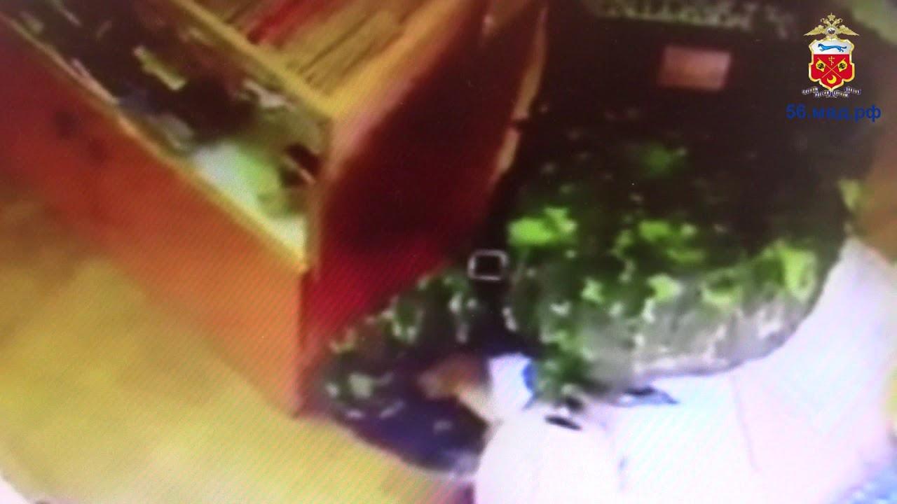 Оренбуржец похитил почти 4 000 рублей из церковной лавки