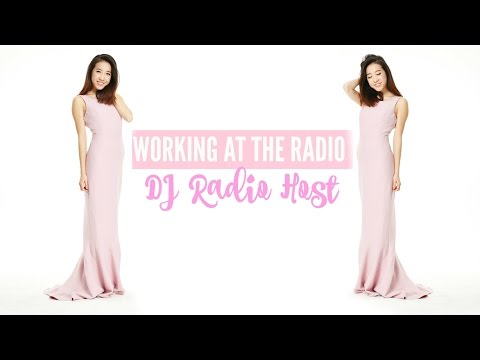 Working At The Radio | VLOG