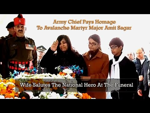 Army Chief Gen Bipin Rawat Pays Homage To Martyr Major Amit Sagar | Wife Salutes The Hero At Funeral