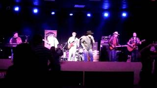 Steve Armstrong And The 25 Cent Beer Band - Put Another Drink In My Hand Eric Church .mov