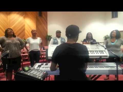 TRAVIS MALLOY IN REHEARSAL (Total Praise)