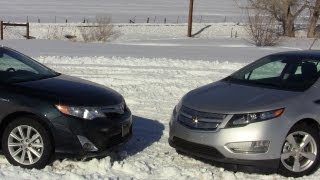 2012 Chevy Volt vs Toyota Camry Hybrid Mashup Review & 0-60 MPH Drive