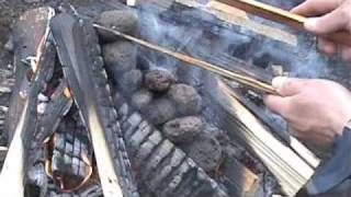 Bushcraft Indian Stone Boiling in a Basket