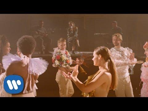 Смотреть клип Nonono - Dancing