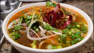 HOW TO MAKE AUTHENTIC BÚN BÓ HUE (VIETNAMESE SPICY BEEF NOODLE SOUP)