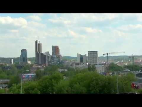 Panorama Wilna z Góry w Śnipiszkach.Vilnius Panorama of mountains in Śnipiszkach .