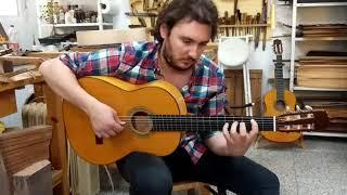 Vídeo 1. José Tomás tocando guitarra de ciprés de 1ª especial