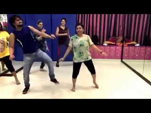 Bollywood Masti - Choreo on Dil diya Hai Jaan bhi tujhe denge