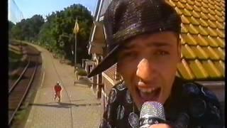 Peter Koelewijn met MC Miker G & DJ Sven - Kom van dat dak af 1989