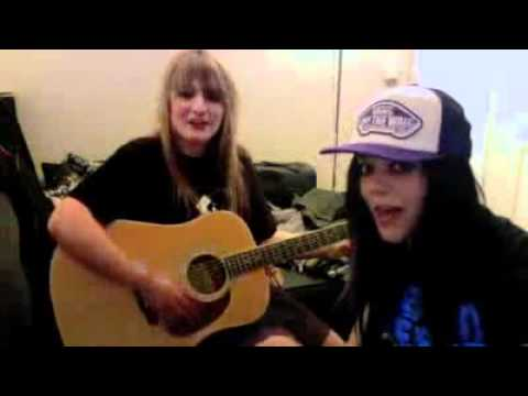 GIA & JENA LEE POKER FACE COVER240p H 263 MP3