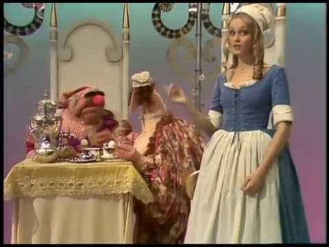 The Muppet Show:Twiggy The King's Breakfast
