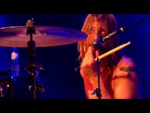 Taylor Hawkins & The Coattail Riders - Cold Day In The Sun / Never Enough @ Effenaar 2010