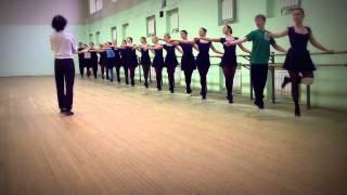 Урок классического танца-1 часть упражнения у палки-21.12.15.