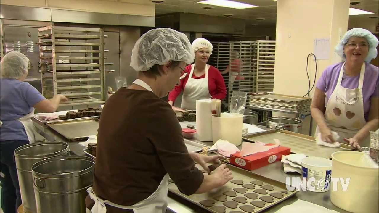 Mrs  Hanes' Moravian Cookies