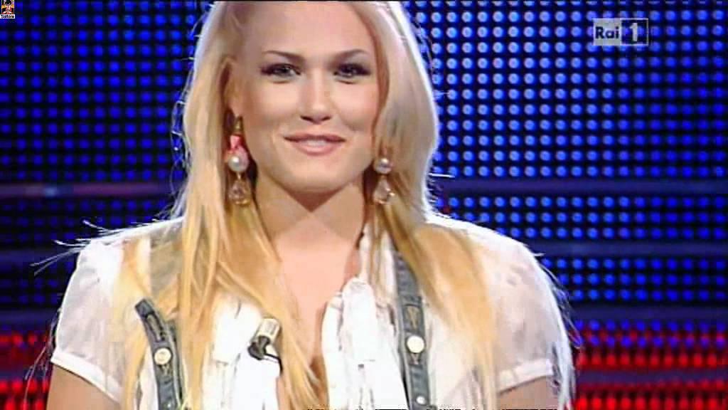 Serena Gualinetti é Scossa di Benedetta Mazza 12.04.2011 - YouTube