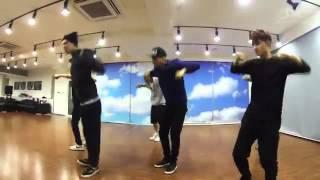 فرقة exo يتدربون على رقصة growl ,chinese ver