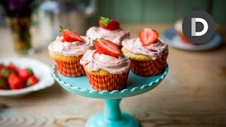 Strawberries & Cream Cupcakes!