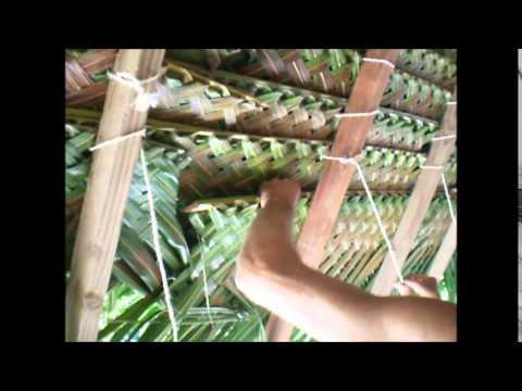 Tressage feuilles de cocotiers youtube for Feuille de cuivre toiture