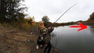 Осенний фидер на пруду. Красивая рыбалка.