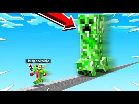 *RUN!* FIGHTING GIANT SCARY MINECRAFT MOBS!
