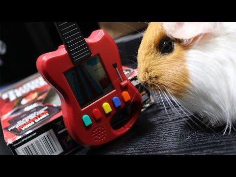 Konsola Guitar Hero -- miniaturowa gitara