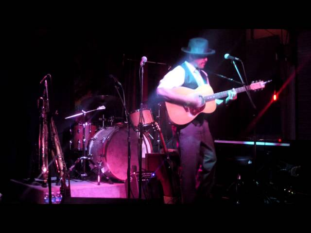 Little Yellow Leaf - LIVE at Fogartyville 2 11 2015