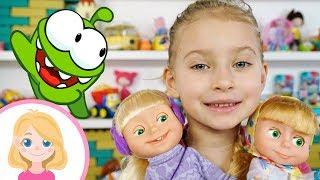 Маша едет кататься на лыжах и выбирает себе одежду - Маленькая Вера - Видео для девочек