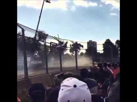 F1 CRASH!!! Alonso e Gutierrez GP da Austrália 2016, Vista da arquibancada.