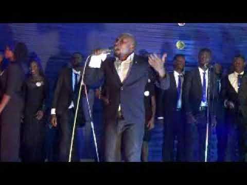 Owie Abutu perform yaweh Live @ Fed Poly Bida