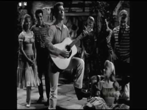 Roger Smith sings Where Did the Summer Go on 77 Sunset Strip 1960
