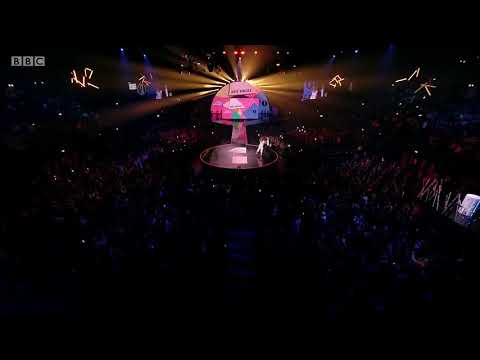 Dua Lipa wins Best Single for New Rules at BBC RADIO 1 TEEN AWARDS