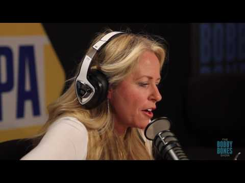 Deana Carter Performs Strawberry Wine In Studio