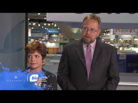 Mary Albertson and Hans Sauer (AUTM & BIO) at the 2017 BIO International Convention