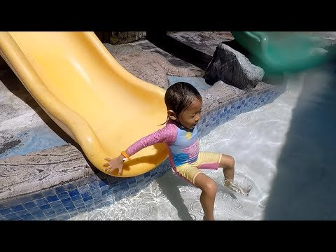 Water Park And Playground Fun For Kids Summer 2017 - Donna The Explorer