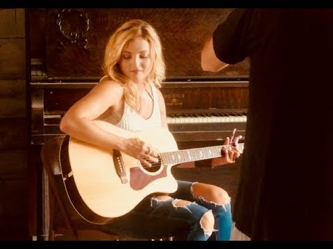Fancy- Reba Mcentire (Cover by Karen Waldrup)