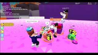 DONATING A NOOB A 50,000,000$ PET! (Roblox)