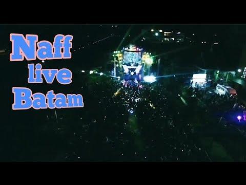 Naff 'kenanglah aku' live Batam