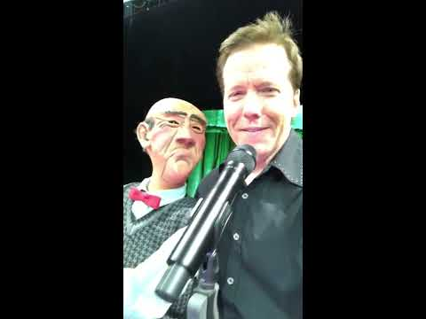 LIVE FROM PHILLY! Walter and Jeff discuss Valentines Day! | JEFF DUNHAM streaming vf