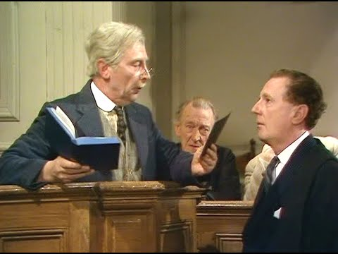 Dad's Army - A Brush with the Law - NL Ondertiteld - '... on the night of the 45th...'