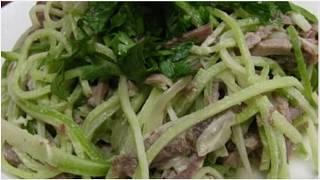 Очень вкусный салат из зелёной редьки с мясом.